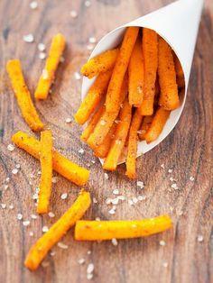 Patates douces crousti-moelleuses rôties au four - Recette de cuisine Marmiton : une recette