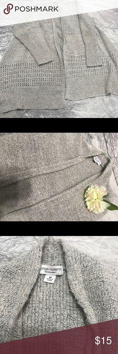 Liz Lange Maternity sweater Liz Lange maternity sweater size medium. Very soft and plush and warm. Liz Lange Sweaters Shrugs & Ponchos