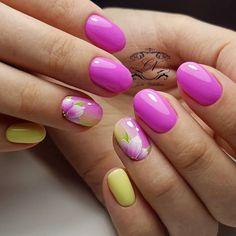 "432 Likes, 1 Comments - Community of nail designers (@nailsoftheday) on Instagram: ""Солнечные ноготки⛅ nailsoftheday.com #маникюрдня #ногти #гельлак #дизайнногтей #идеидляманикюра…"""