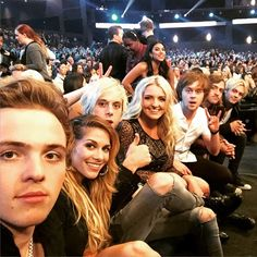 I'm taking a wilde guess and say this was at the RDMAs ... why?... BECAUSE IT IS!!!! Awsome preformance by the way...