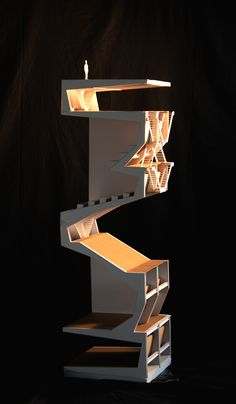 théatre vertical, Rendu de fin Année, Pierre WÜTHRICH (EPFL) Lining the inside with a coloured paper really differentiates internal with external Concept Architecture, Interior Architecture, Home Design Decor, House Design, Arch Model, Urban Design, Bauhaus, Design Model, Scale Models
