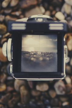 thehippiedouche:   Seascape  sigh such a lovely camera