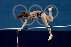 Eliza McCartney Photos - Eliza Mccartney of New Zealand competes in the Women's…