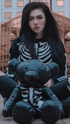 Aesthetic Eyes, Bad Girl Aesthetic, Hot Goth Girls, Gothic Girls, Character Inspiration, Character Design, Arte Cyberpunk, Waifu Material, Goth Beauty