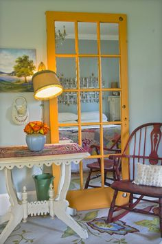 Fun idea! Tempting to do this in the french doors between the living room and the den...
