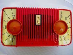 Radio Record Player, Record Players, Lps, Radios, Rock Around The Clock, Radio Design, Radio Wave, Antique Radio, Transistor Radio