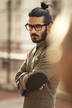 40 Masculine Beard Styles Beard + man bun top knot. This guy looks intelligent…