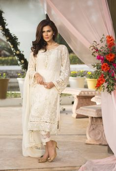 Baroque Jazmin Volume 1 2017 Jasmine White Price in Pakistan famous brand online shopping, luxury embroidered suit now in buy online & shipping wide nation..  #baroquefashion #baroque2017 #baroquejazmin #fashion #style #fashion2017 #style2017 #pakistanifashion #pakistanfashion Whatsapp: 00923452355358 Website: www.original.pk