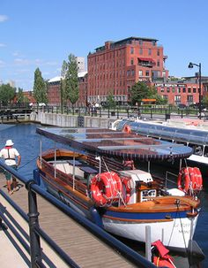 Explore the canal from a new perspective! Montreal Quebec, Quebec City, Toronto, Saint Laurent, Alaska, Parks Canada, The Province, New Perspective, Photos Du