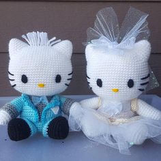 Hello kitty wedding set plush Check out this item in my Etsy shop https://www.etsy.com/listing/565779947/hello-kitty-dear-daniel-wedding-set-of-2