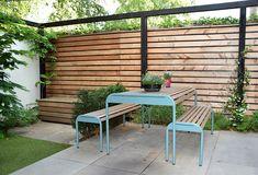 Moderne stadstuin met speelruimte - Dutch Quality Gardens Garden Yard Ideas, Chula, Outdoor Furniture Sets, Outdoor Decor, Yards, Helpful Hints, Organize, Gardening, Patio
