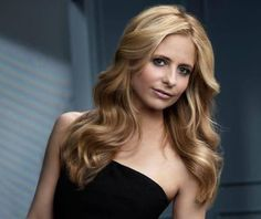 Discovered by Find images and videos about buffy, sarah michelle gellar and ringer on We Heart It - the app to get lost in what you love. Female Actresses, Actors & Actresses, Girl Celebrities, Celebs, Sarah Michelle Gellar Buffy, Freddie Prinze, New Hair Do, Buffy Summers, Prettiest Actresses
