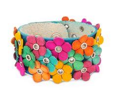 Hippe leren bloemen armband