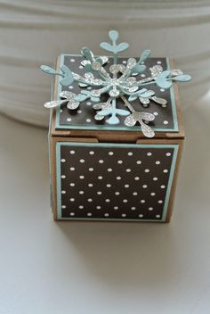 Tiny Treat Box, Snowflake Card Thinlits dies Stampin Up by Cards and Scrapping