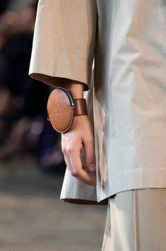 c3b192790 Loewe at Paris Fashion Week Spring 2019 - Details Runway Photos