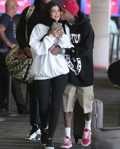 Here it is latest that rapper Tyga Kisses to Kylie Jenner after reuniting romance on Friday. After a split of many time now both again seen together with