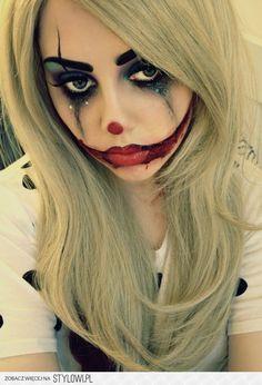 33 Totally Creepy Makeup Looks To Try This Halloween: The sad clown. Makeup Fx, Creepy Makeup, Makeup Ideas, Jester Makeup, Makeup Designs, Doll Makeup, Makeup Tutorials, Witch Makeup, Makeup Tricks