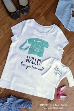 DIY Baby and Me Matching Shirts Tutorial. Create matching shirts for your kids and their American Girls dolls or barbie dolls. It's so easy! Diy Clothes Jeans, Diy Clothes Videos, Shirt Tutorial, Diy Tutorial, Crafts To Make, Crafts For Kids, Father's Day Diy, Vinyl Crafts, Matching Shirts
