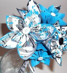 Handmade Sheet Music Bouquet with Origami Flowers- bride, bridesmaid, decoration.. what a cute idea!