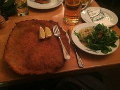 Schnitzel bei Figlmüller in Wien - das beste Schnitzel in Wien? | Hubert-testet