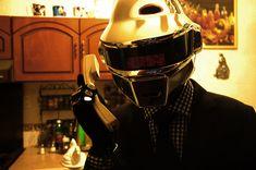 Daft Punk Thomas Helmet complete outfit di MazPowerProps su Etsy, $500.00