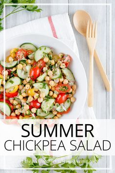 Summer Chickpea Salad - Light and refreshing summer salad made with fresh cherry tomatoes, cucumbers, and chickpeas then tossed on a lemony dressing. Best Salad Recipes, Top Recipes, Easy Healthy Recipes, Cooking Recipes, Easy Weeknight Meals, Easy Meals, List Of American Foods, Fresh Cherry, Star Food