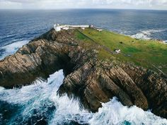 Built in 1835, Eagle Island Lighthouse in County Mayo warns ships away from treacherous rocks. In 1861, a massive wave broke over the wall and shattered the east lantern.