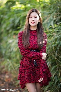 Miyeon (G)I-DLE for Naver x Dispatch at Jeju Hallyu Festival 2018 Kpop Girl Groups, Korean Girl Groups, Kpop Girls, Extended Play, Fandoms, Entertainment, Soyeon, Neverland, South Korean Girls