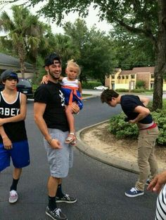 Hayes will Skyland and Nash Grier