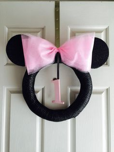 MINNIE MOUSE WREATH by MelishMeCreations on Etsy