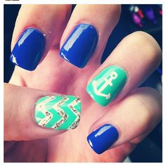 The chevron design on the ring finger and the rest a solid :)