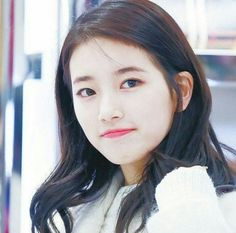Netizens discuss which female idol has the most female fans Bae Suzy, Most Beautiful Faces, Beautiful Celebrities, Korean Beauty, Asian Beauty, Korean Celebrities, Celebs, Korean Girl, Asian Girl