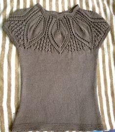 Freies Strickmuster , Leaf Yoke Top - Free Knitting Pattern , Free Knitting Patterns Source by A. Crochet Patterns For Beginners, Knitting Patterns Free, Knit Patterns, Free Knitting, New York Fashion, Baby Pullover, Knitted Bags, Top Pattern, Free Pattern