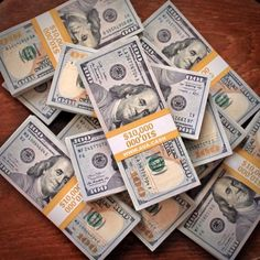Cash stacks for your inspiration and money motivation! Make Money Online, How To Make Money, Money Stacks, Gold Money, Attract Money, Bitcoin Wallet, Rich Life, Motivation, Earn Money