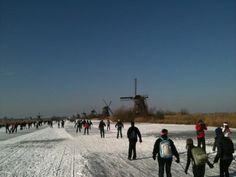 @jvandeminkelis Denkend aan Holland zie ik duizenden schaatsers over de boezem gaan. #Molentocht pic.twitter.com/owAKub0q