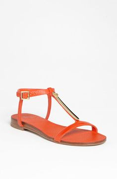 Finally a shoe where her logo doesn't stick out like a sore thumb! :) Pacey Sandal