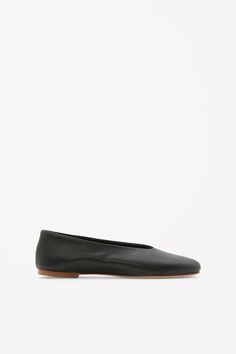Designed for everyday wear, these slip-on shoes are made from soft, comfortable leather. They are completed with flat leather sole and lightly cushioned interior.