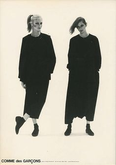 Minimalist Fashion Design: Japanese designers Yohji Yamamoto, Issey Miyake and Rei Kawakubo of Comme des Garçons make gender ambiguous, minimalist, anti-fashion statements in the Anti Fashion, 80s Fashion, Fashion History, Look Fashion, Fashion Art, Vintage Fashion, Fashion Design, Fashion Details, Fashion 2017