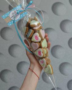 #имбирныепряникиназаказ #пряникиукраина #пряникимелитополь #сладкийподарок #шеббишик #gingerbread #royalicing #cookieart #gift #angelassweets