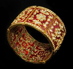 Gem Palace enamelled bracelet in gold incorporating the traditional technique of kundan meena enamelling typical of Jaipur. Bridal Jewelry, Gold Jewelry, Vintage Jewelry, Gold Bangles, Bangle Bracelets, Ring Designs, Pakistani Jewelry, India Jewelry, Schmuck Design