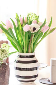 Amalie loves Denmark: Frühlingsblumen im Esszimmer#flower #tulips #kähler design