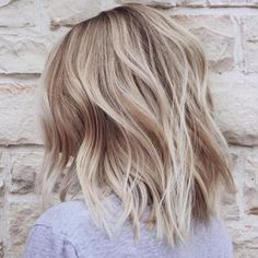 It's true, you can observe that balayage works pretty nicely with all hair lengths. Still another website to explain to you how balayage is finished. Thin Hair Haircuts, Cool Haircuts, Medium Hairstyles, Bob Hairstyles, Simple Hairstyles, Layered Hairstyles, Everyday Hairstyles, Medium Length Blonde Hairstyles, Newest Hairstyles