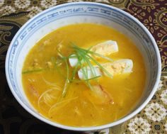 sop kerrie djawa Asian Recipes, Ethnic Recipes, Indonesian Food, Thai Red Curry, Soup Recipes, Main Dishes, Good Food, Vegetarian, Indian