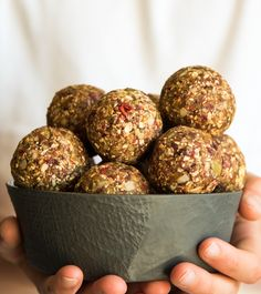 Nut and Grain Free Muesli Bliss Balls. Simple delicious and free from gluten grains dairy egg nuts refined sugar. Lunch Box Recipes, Raw Food Recipes, Free Recipes, Lunchbox Ideas, Healthy Recipes, Baby Recipes, Muesli, Protein Snacks, Healthy Snacks