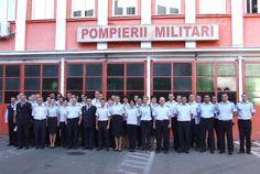 Poză cu personalul de la ISU Timis alături de comandantul unitătii.