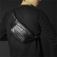 BOTTEGA VENETA intrecciato body bag black (ボッテガヴェネタ イントレチャート ボディバッグ ブラック) #222310 vq121