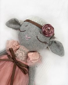 #softdoll#softtoy#lambtoy#clothdoll#heirloomdoll Handmade Stuffed Animals, Sock Crafts, How To Make Toys, Fabric Toys, Cat Doll, Sewing Dolls, Doll Maker, Soft Dolls, Stuffed Animal Patterns