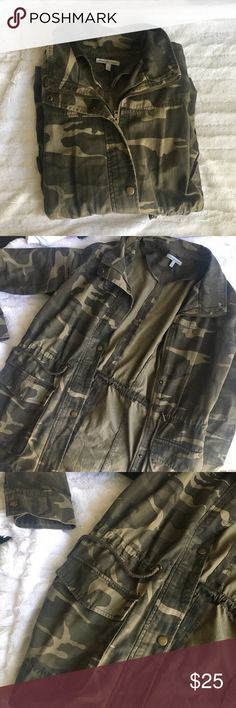 Camo utility jacket Camo utility jacket. Super cute, love the fit of this jacket. Jackets & Coats Utility Jackets