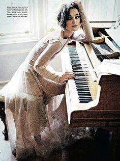 """ Keira Knightley plays piano in fashion, Vogue Italia, January Photographer: Ellen von Unwerth. Von Unwerth found fame when she first photographed Claudia. Keira Knightley, Keira Christina Knightley, Ellen Von Unwerth, Elizabeth Swann, Plum Pretty Sugar, Annie Leibovitz, Moda Fashion, Girl Crushes, Editorial Fashion"