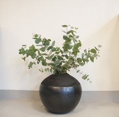 A beautiful Chamba vase with eucalyptus Nordic Home, Vase, Canning, Handmade, Beautiful, Home Decor, Hand Made, Decoration Home, Room Decor